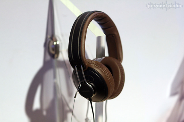 Наушники Philips SHL5905 на IFA 2012
